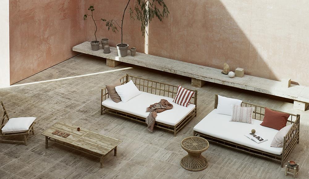 Udendørs møbler I Rosens Navn