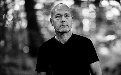 Interview med en forfatter, som pludselig fik hovedrollen i sin egen bog: Peter Øvig