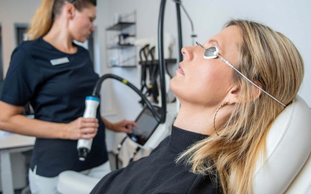 Kom til hudlæge og kosmetisk behandling